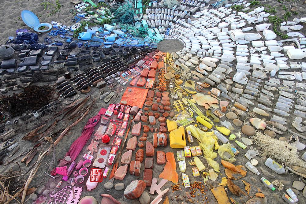 trash-land-art-taiwan-liina-klauss_taiwan_2015_liinaklauss
