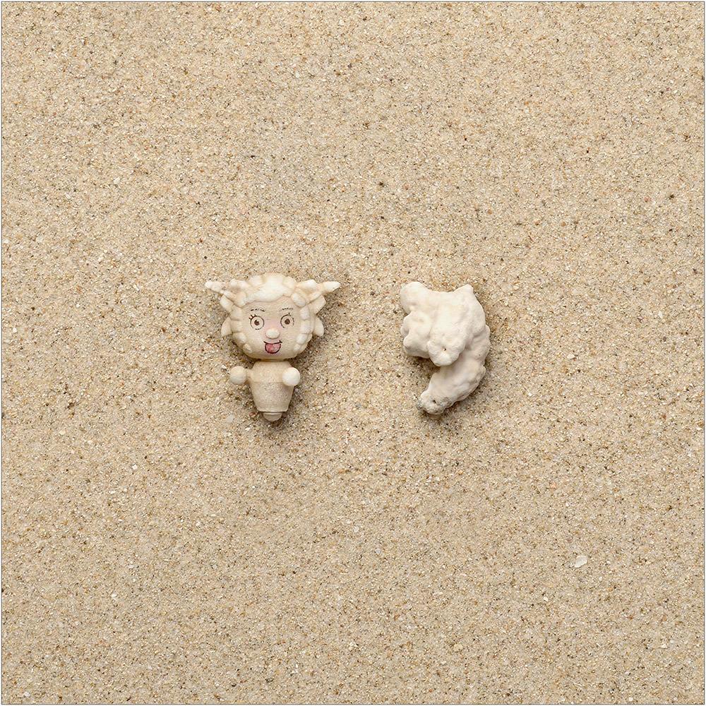 Involuntary-Pairs-liina-klauss-plastic-toy—coral—liinaklauss